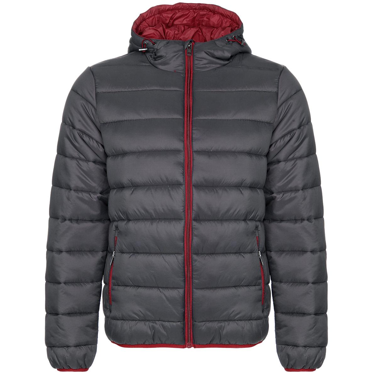 Куртка мужская NY06372Стильная мужская куртка F5 NY отлично подойдет для холодной погоды. Модель прямого кроя с длинными рукавами и капюшоном выполнена из высококачественного материала и застегивается на застежку-молнию. Изделие дополнено двумя втачными карманами на молниях спереди и двумя внутренними открытыми карманами. Манжеты рукавов и низ куртки оснащены узкими эластичными резинками. Объем капюшона регулируется шнурком-кулиской со стопперами. Куртка утеплена наполнителем Silk Floss, который обладает высокими теплоизолирующими свойствами и хорошей воздухопроницаемостью. Шелковистый эластичный наполнитель хорошо держит форму, благодаря чему изделие выглядит объемным и пышным. Эта модная и в то же время комфортная куртка - отличный вариант для уверенного в себе мужчины!