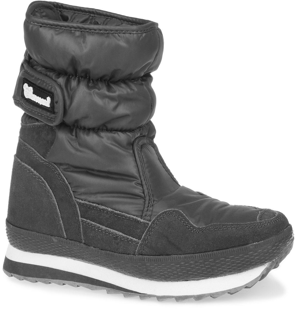 RC825-2-17/GREYПрактичные и удобные женские дутики от Mon Ami - отличный вариант на каждый день. Модель выполнена из комбинации водоотталкивающей плащевой ткани и искусственного спилка. По ранту обувь дополнена вставкой из полимерного материала. Верх изделия оформлен двумя удобными застежками-липучками, которые надежно фиксируют модель на ноге и регулируют объем. Подкладка и анатомическая стелька, изготовленные из искусственного меха, согреют ноги в мороз и обеспечат уют. Сбоку дутики украшены нашивкой из ПВХ с логотипом бренда. Подошва из полимерного термопластичного материала - с противоскользящим рифлением. Удобные дутики придутся вам по душе.