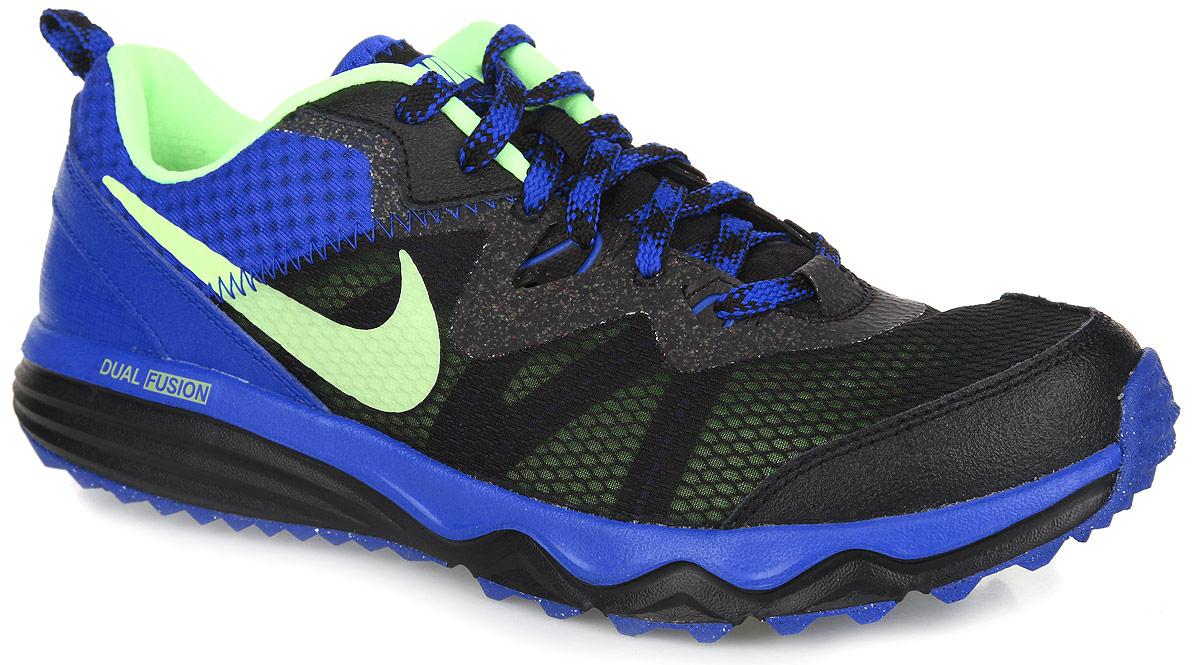 Кроссовки для бега мужские Dual Fusion Trail. 652867-017652867-017Мужские кроссовки для бега мужские Dual Fusion Trail созданы для интенсивных тренировок: прыжков, рывков и бега. Модель выполнена из комбинации натуральной кожи и текстиля контрастных цветов, а также дополнена вставками из искусственных материалов. Верх оформлен воздухопроницаемой лёгкой сеткой, обеспечивающей максимальный комфорт для занятий спортом. Подъем дополнен классической шнуровкой, которая надежно зафиксирует обувь на ноге. Подкладка и стелька, исполненные из текстиля, подарят комфорт и уют стопе. По бокам и на язычке кроссовки декорированы логотипом бренда. Кроссовки Dual Fusion Trail отличаются улучшенной поддержкой стопы и амортизирующей подошвой, обеспечивающей отличное сцепление с любой поверхностью.