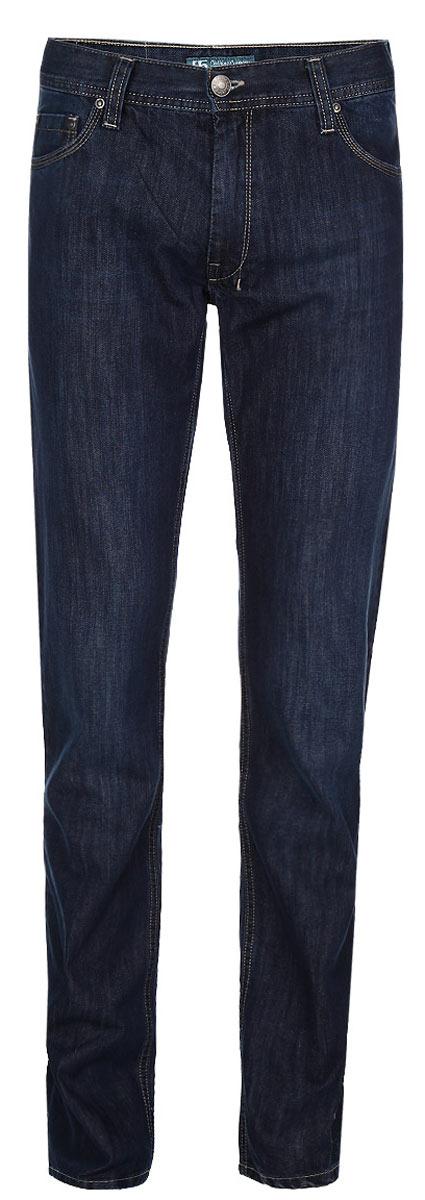 Джинсы мужские. 0950309503Стильные мужские джинсы F5 - джинсы высочайшего качества на каждый день, которые прекрасно сидят. Модель прямого кроя и средней посадки изготовлена из высококачественного плотного хлопка. Джинсы не сковывают движения и дарят комфорт. Изделие оформлено контрастной отстрочкой. Застегиваются джинсы на пуговицу в поясе и ширинку на молнии, имеются шлевки для ремня. Спереди модель оформлена двумя втачными карманами и одним небольшим секретным кармашком, а сзади - двумя накладными карманами. Эти модные и в тоже время комфортные джинсы послужат отличным дополнением к вашему гардеробу. В них вы всегда будете чувствовать себя уютно и комфортно.
