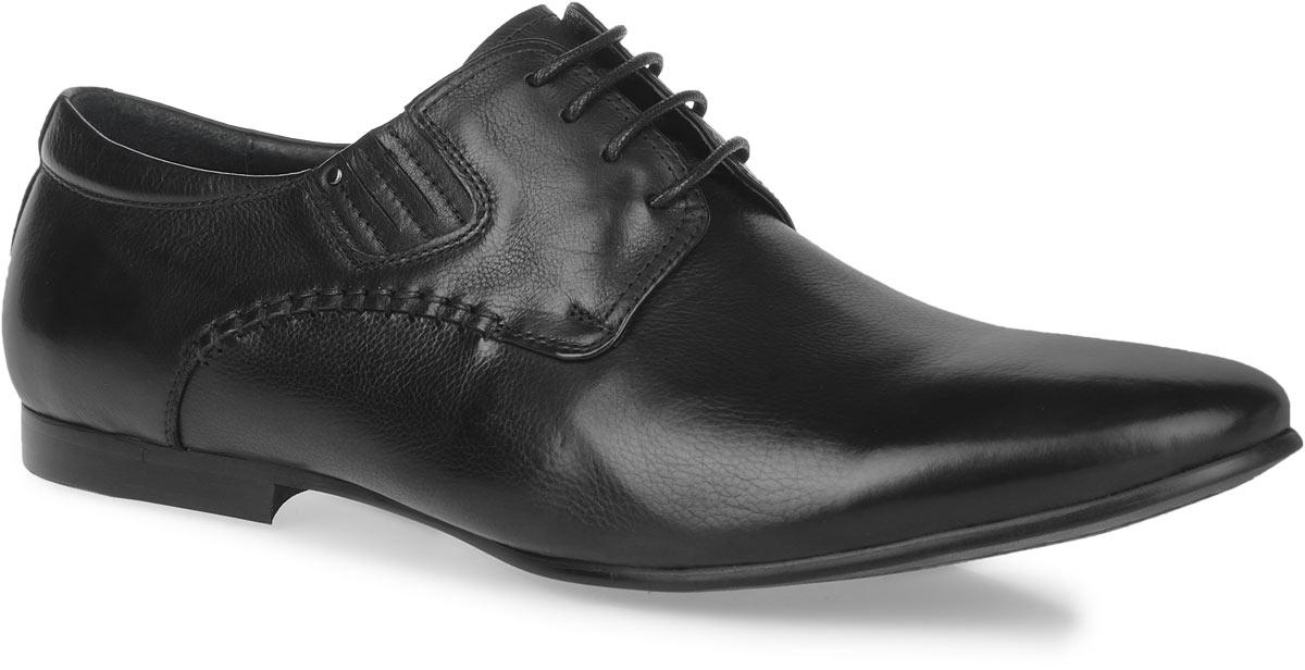 Туфли мужские. 104-144104-144-39Элегантные мужские туфли от Dino Ricci займут достойное место среди вашей коллекции обуви. Изделие выполнено из натуральной высококачественной кожи и оформлено внешними декоративными швами и задним наружным ремнем. Шнуровка позволяет прочно зафиксировать модель на ноге. Резинки, расположенные на подъеме, гарантируют оптимальную посадку обуви на ноге. Стелька из натуральной кожи оснащена перфорацией, позволяющей вашим ногам дышать. Каблук и подошва с рифлением обеспечивают отличное сцепление с поверхностью. Подошва оформлена прострочкой и рисунком в виде названия бренда. Стильные туфли прекрасно дополнят ваш деловой образ.