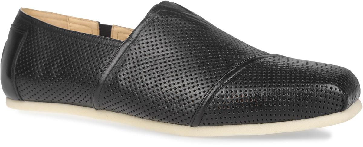 Слипоны мужские. M1365M13657Стильные мужские слипоны Vitacci займут достойное место в вашей коллекции обуви. Модель изготовлена из натуральной высококачественной кожи. Задник оформлен декоративным элементом круглой формы с логотипом бренда. Перфорация обеспечивает лучшую воздухопроницаемость, позволяет ногам дышать. V-образная стрейчевая вставка на подъеме и боковая стрейчевая вставка позволяют оптимально посадить модель на ноге. Подкладка и стелька из натуральной кожи комфортны при ходьбе. Подошва выполнена из вспененного полимера EVA. Модные слипоны - необходимая вещь в гардеробе каждого мужчины.