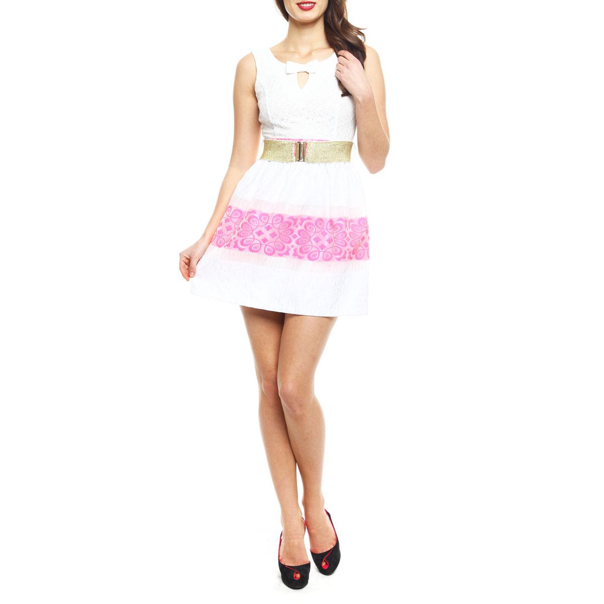 Платье8074-150126TT white-neon pinkЭффектное платье Topsandtops, изготовленное из высококачественного материала, придется по душе любой моднице. Модель на широких бретелях с круглым вырезом горловины застегивается на потайную застежку-молнию, расположенную в боковом шве. Платье приталенного кроя с пышной юбкой идеально сядет на любую фигуру. Линия талии подчеркнута поясом-резинкой, входящим в комплект. Верхняя часть платья выполнена из нежного гипюра. Спереди лиф оформлен V-образным вырезом на груди и кокетливым бантиком. На спинке - оригинальный вырез с двумя перемычками, также декорированными бантами. Юбка с фактурным узором имеет полупрозрачные вставки и выполнена в сочетании двух контрастных цветов. Юбка дополнена приятной подкладочной тканью. Яркое платье - идеальный вариант для создания незабываемого образа.