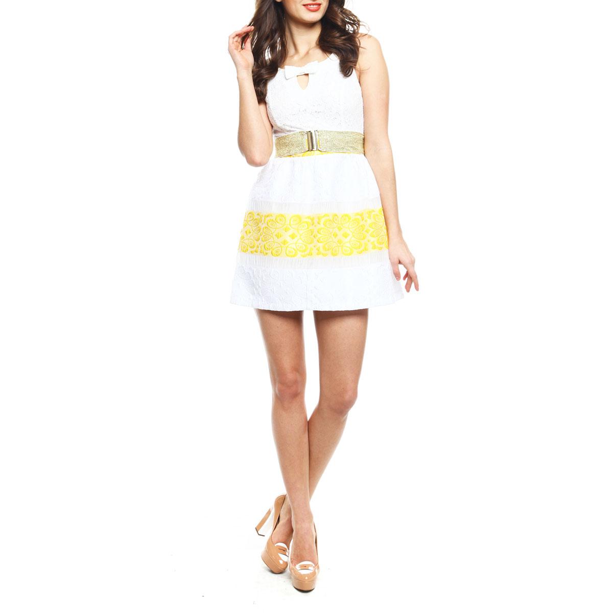 Платье. 8074-150126TT8074-150126TT white-neon pinkЭффектное платье Topsandtops, изготовленное из высококачественного материала, придется по душе любой моднице. Модель на широких бретелях с круглым вырезом горловины застегивается на потайную застежку-молнию, расположенную в боковом шве. Платье приталенного кроя с пышной юбкой идеально сядет на любую фигуру. Линия талии подчеркнута поясом-резинкой, входящим в комплект. Верхняя часть платья выполнена из нежного гипюра. Спереди лиф оформлен V-образным вырезом на груди и кокетливым бантиком. На спинке - оригинальный вырез с двумя перемычками, также декорированными бантами. Юбка с фактурным узором имеет полупрозрачные вставки и выполнена в сочетании двух контрастных цветов. Юбка дополнена приятной подкладочной тканью. Яркое платье - идеальный вариант для создания незабываемого образа.
