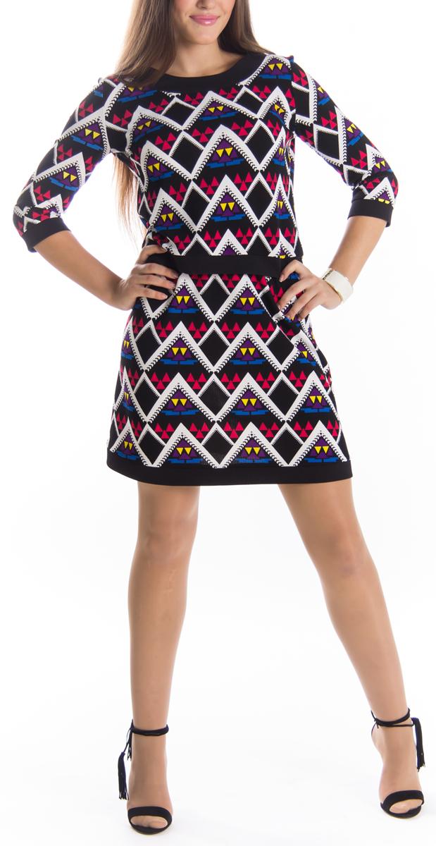 Юбкаю0168Оригинальная юбка Lautus выполнена из высококачественного материала, она обеспечит вам комфорт и удобство при носке. Очаровательная юбка дополнена пришивным эластичным поясом. Стильная юбка-миди, оформленная красочным геометрическим принтом, выгодно освежит и разнообразит любой гардероб. Создайте женственный образ и подчеркните свою яркую индивидуальность! Классический фасон и оригинальное оформление этой юбки сделают ваш образ непревзойденным.