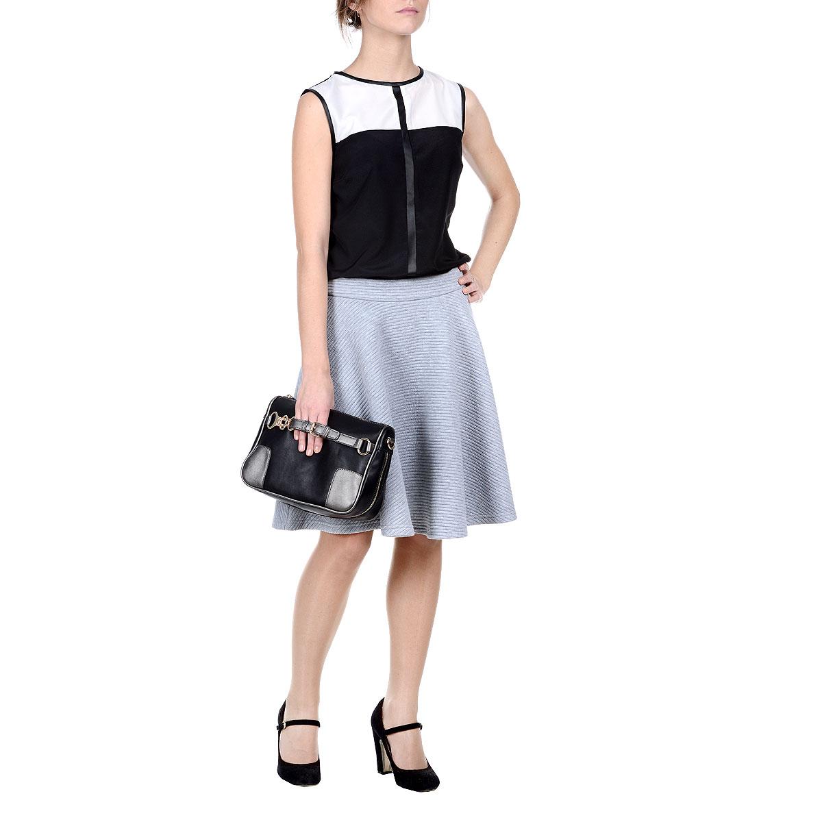 ЮбкаDSD0017SZSУтепленная юбка Drywash изготовлена из полиэстера с добавлением эластана. Юбка расклешенного кроя оформлена рельефными полосками. Пояс сзади застегивается на металлическую застежку-молнию. Эта модная и в тоже время комфортная юбка - отличный вариант для прохладной погоды.