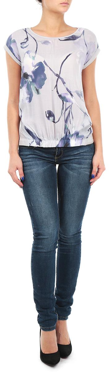БлузкаSBK2138GBБлузка Top Secret из высококачественного материала с цветочным принтом позволит вам и в будние дни выглядеть стильно и модно. Модель свободного кроя с круглым вырезом горловины и цельнокроеными рукавами. Низ изделия спереди дополнен широкой резинкой. Рукава изделия обрамляют манжеты. Эта стильная блузка подарит вам комфорт и станет прекрасным дополнением к вашему гардеробу.