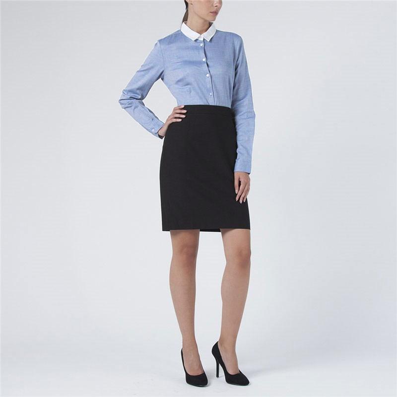 БлузкаB-112/588-5311Стильная женская блузка Sela - идеальный выбор для создания модного образа. Блузка выполнена из мягкого хлопка, приятная на ощупь, не раздражает кожу и хорошо вентилируется. Модель приталенного кроя с длинными рукавами и отложным круглым воротничком застегивается на пуговицы. Манжеты также застегиваются на пуговицы. Воротник выполнены из материала контрастного цвета. Такая блузка займет достойное место в вашем гардеробе.