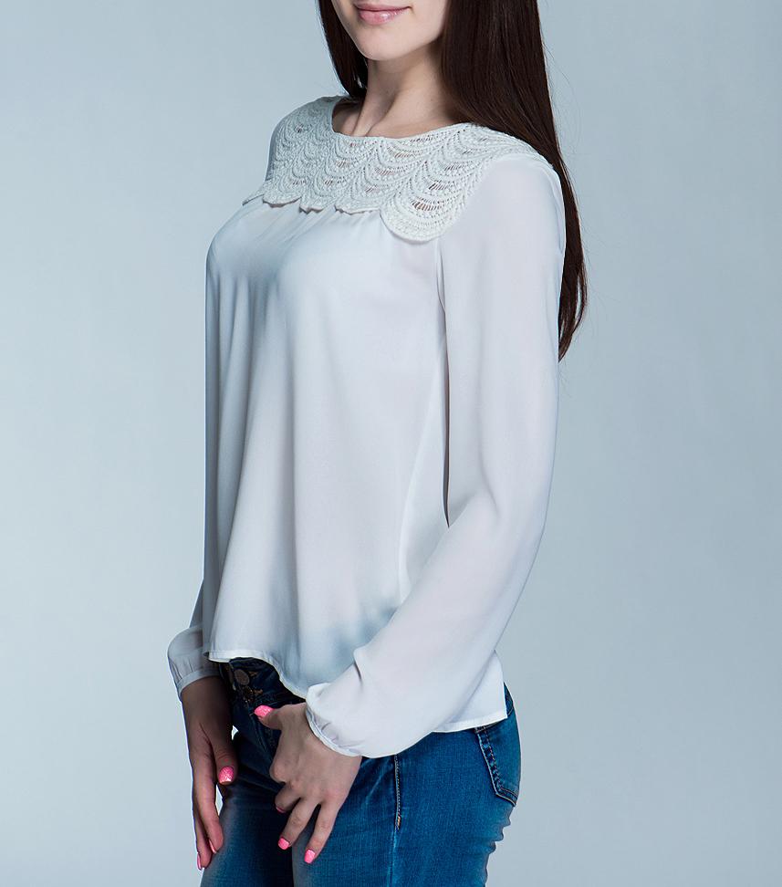 Блузка100890Симпатичная женская блуза ICHI, выполненная из высококачественного материала, - находка для современной женщины, желающей выглядеть стильно и модно. Модель свободного кроя с круглым вырезом горловины, длинными рукавами оформлена сверху вышитой планкой. Сзади блуза декорирована запахом. Такая модель, несомненно, вам понравится и послужит отличным дополнением к вашему гардеробу.