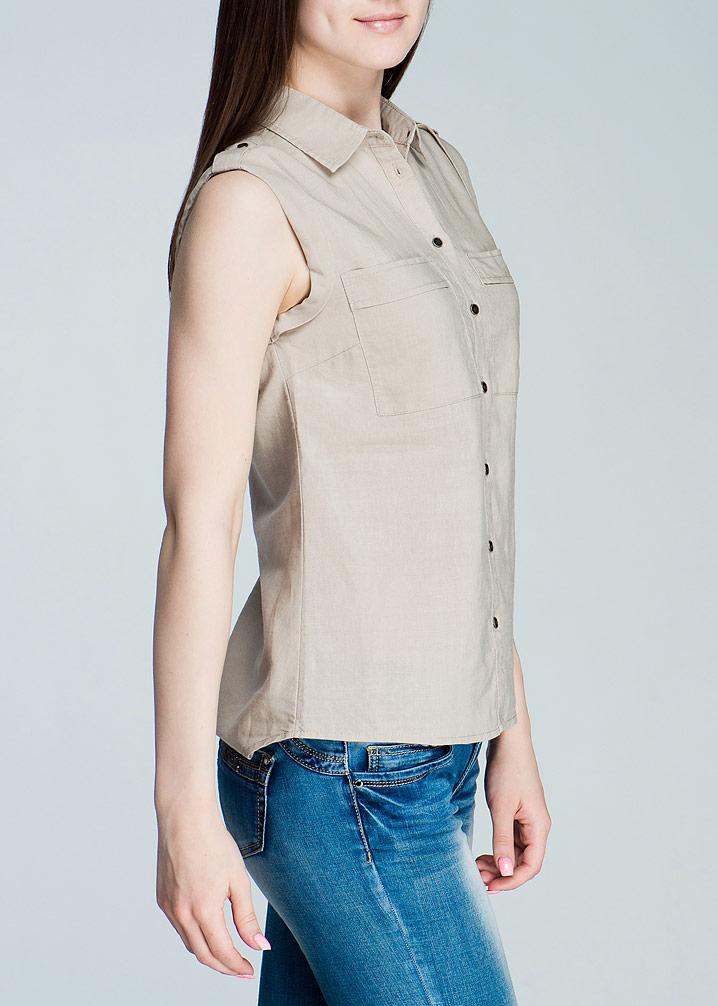 Блуза. Bsl-112/066-424Bsl-112/066-424Стильная женская блуза SELA, выполненная из высококачественного материала, будет отлично на вас смотреться. Модель без рукавов свободного кроя, с полукруглым низом застегивается на пуговицы. Изделие с удлиненной спинкой и отложным воротничком. На груди блуза дополнена накладными карманами. Классический покрой, лаконичный дизайн, безукоризненное качество. Идеальный вариант для тех, кто ценит комфорт и качество.