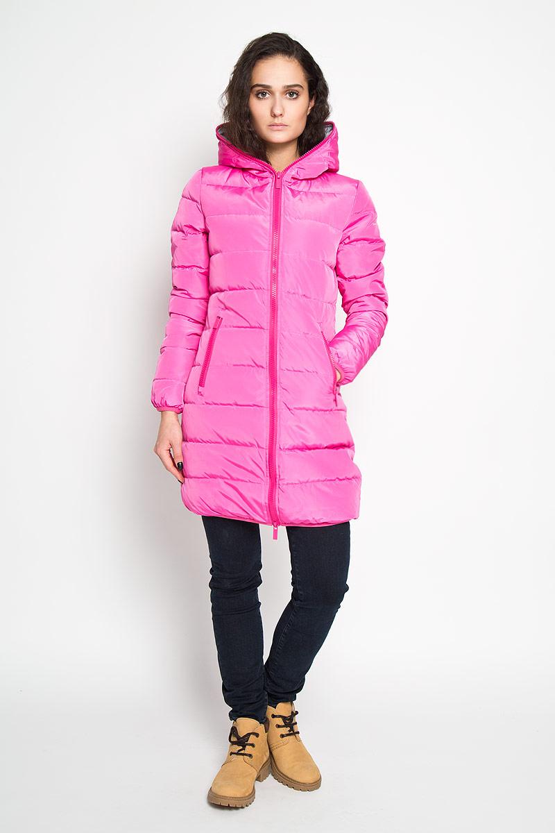Куртка женская. 1013104910131049 540Стильная удлиненная женская куртка Broadway согреет вас в прохладное время года. Модель с длинными рукавами и капюшоном имеет наполнитель из натурального пуха и пера, который обеспечивает надежное сохранение тепла. Такая куртка не позволит вам замерзнуть даже в морозные дни. Модель застегивается на двустороннюю застежку-молнию, которая продолжается по краю капюшона. Куртка дополнена двумя втачными карманами на молниях спереди и одним внутренним карманом на липучке. Рукава и низ куртки оснащены эластичными манжетами. На талии куртка стягивается при помощи шнурка-кулиски. Эта яркая и в то же время комфортная куртка - отличный вариант для прогулок, она подчеркнет ваш изысканный вкус и поможет создать неповторимый образ.