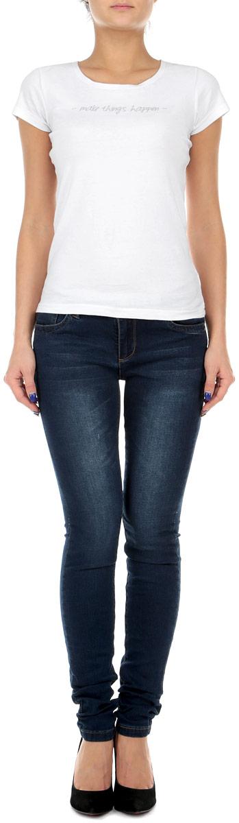 Джинсы женские. 1015124210151242Стильные женские джинсы Broadway - это джинсы высочайшего качества, которые прекрасно сидят. Они выполнены из высококачественного эластичного хлопка, что обеспечивает комфорт и удобство при носке. Джинсы слим классической посадки станут отличным дополнением к вашему современному образу. Джинсы застегиваются на пуговицу в поясе и ширинку на застежке-молнии, имеются шлевки для ремня. Джинсы имеют классический пятикарманный крой: спереди модель оформлены двумя втачными карманами и одним маленьким накладным кармашком, а сзади - двумя накладными карманами. Эти модные и в тоже время комфортные джинсы послужат отличным дополнением к вашему гардеробу.