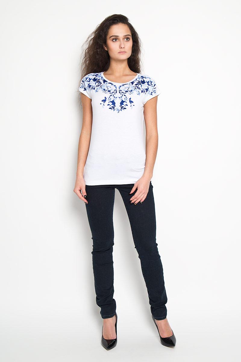 Футболка женская. Ts-111/745-6121Ts-111/745-6121Стильная женская футболка Sela, выполненная из эластичной вискозы, обладает высокой теплопроводностью, воздухопроницаемостью и гигроскопичностью, позволяет коже дышать. Модель с короткими рукавами-кимоно и круглым вырезом горловины - идеальный вариант для создания образа в стиле Casual. Футболка оформлена принтом с изображением цветов и листьев. Такая модель подарит вам комфорт в течение всего дня и послужит замечательным дополнением к вашему гардеробу.