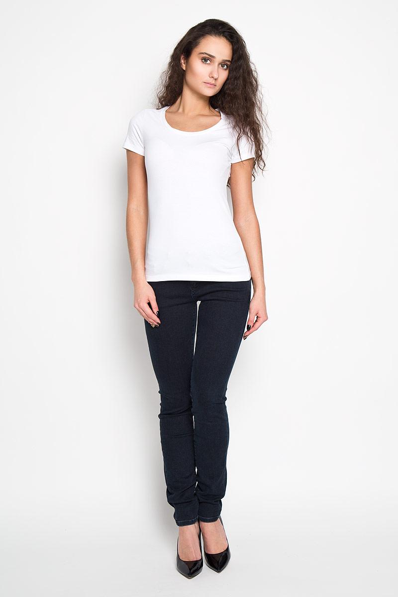 Футболка женская. Ts-111/922-6171Ts-111/922-6171Стильная женская футболка Sela, выполненная из высококачественного эластичного хлопка, обладает высокой теплопроводностью, воздухопроницаемостью и гигроскопичностью, позволяет коже дышать. Модель с короткими рукавами и круглым вырезом - идеальный вариант для создания образа в стиле Casual. Однотонная футболка будет великолепно сочетаться с джинсами и брюками. Такая модель подарит вам комфорт в течение всего дня и послужит замечательным дополнением к вашему гардеробу.