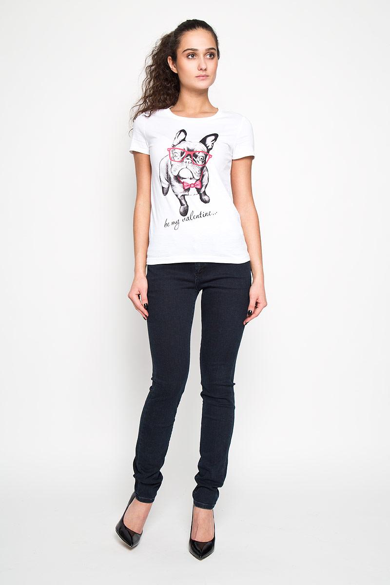 Ts-111/906-6181Стильная женская футболка Sela, выполненная из высококачественного хлопка, обладает высокой теплопроводностью, воздухопроницаемостью и гигроскопичностью, позволяет коже дышать. Модель с короткими рукавами и круглым вырезом - идеальный вариант для создания образа в стиле Casual. Футболка оформлена принтом с изображением очаровательного французского бульдога в очках и надписью Be My Valentine. Такая модель подарит вам комфорт в течение всего дня и послужит замечательным дополнением к вашему гардеробу.