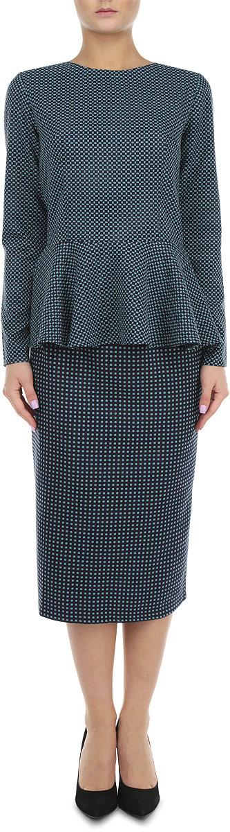 Комплект женский: блузка, юбка. к503к503Элегантный женский комплект Lautus, состоящий из жакета и юбки, станет отличным дополнением к вашему гардеробу. Юбка и блузка выполнены из высококачественного комбинированного материала, который обеспечит вам комфорт и удобство при носке. Блузка с круглым вырезом горловины и длинными рукавами застегивается на потайную застежку-молнию на спинке. Юбка-миди с пришивным поясом застегивается на молнию и пуговицу сзади. Такая юбка выгодно подчеркнет силуэт. Этот модный комплект станет превосходным дополнением к вашему гардеробу, он подарит вам удобство и поможет вам подчеркнуть свой вкус и неповторимый стиль.