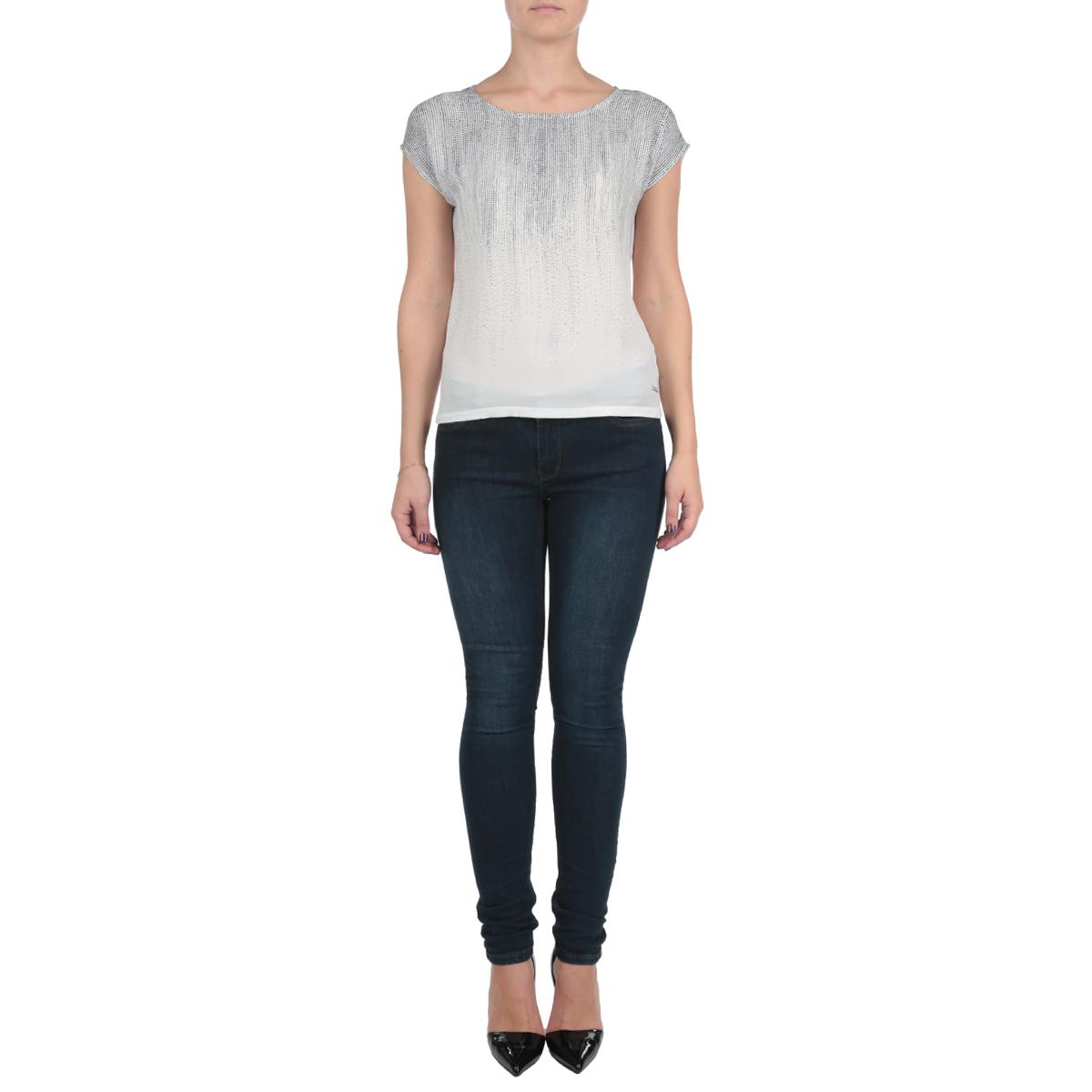 Блузка женская. SPO2617BISPO2617BIОригинальная женская блузка Top Secret выполнена в современном городском стиле. Модель, изготовленная из высококачественного мягкого полиэстера с небольшим добавлением вискозы, не сковывает движения и позволяет коже дышать, обеспечивая наибольший комфорт. Блузка оформлена принтом горох, модель с круглым вырезом горловины и короткими рукавами-кимоно. Идеальный вариант для тех, кто ценит комфорт и качество.