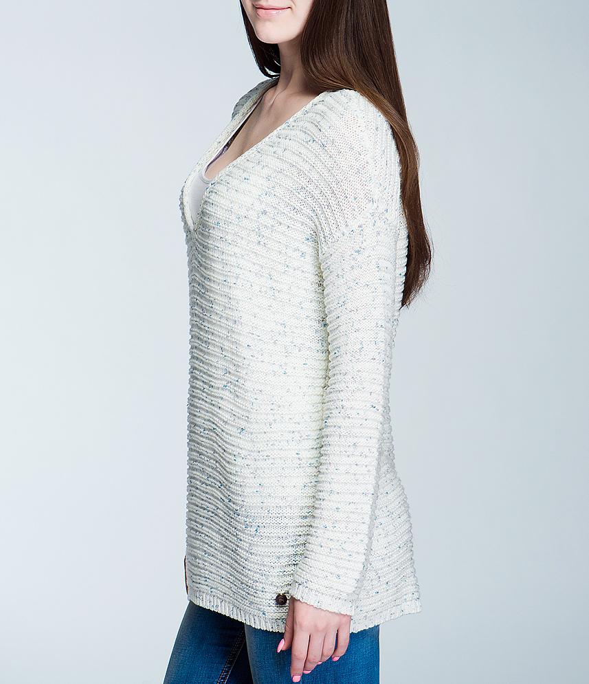 Свитер женский. 3017688.00.713017688.00.71Стильный вязаный свитер TOM TAILOR, изготовленный из высококачественного материала, не сковывает движений, обеспечивая наибольший комфорт. Модель свободного кроя с V-образным вырезом горловины и длинными рукавами. Низ свитера, манжеты и горловина связаны мелкой резинкой. В таком свитере вы будете чувствовать себя уютно и комфортно в прохладную погоду.