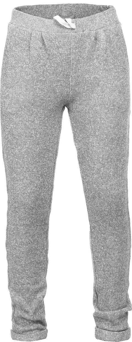 Pk-515/105-6131Утепленные вязаные брюки для девочки Sela идеально подойдут вашей дочурке и станут отличным дополнением к детскому гардеробу. Изготовленные из хлопка с добавлением полиэстера, они необычайно мягкие и приятные на ощупь, не сковывают движения, не раздражают нежную кожу ребенка, обеспечивая ему наибольший комфорт. Брюки на талии имеют широкую эластичную резинку со шнурком, благодаря чему они не сдавливают животик ребенка и не сползают. Спереди они дополнены двумя втачными кармашками. Низ брючин оформлен небольшими декоративными отворотами. В таких брюках ваша дочурка будет чувствовать себя комфортно, уютно и всегда будет в центре внимания!