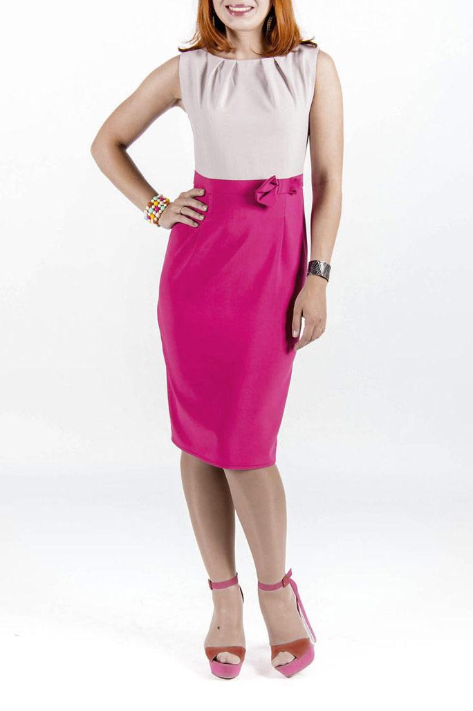 Платье323Элегантное платье Lautus приталенного силуэта подчеркнет все достоинства вашей фигуры. Изделие выполнено из плотного материала, приятного на ощупь. Модель с круглым вырезом горловины, без рукавов, на талии завязывается на пришитый поясок. Сочетание плотности и эластичности ткани позволяет этому платью отлично сидеть по фигуре. На спинке платье застегивается на потайную молнию. Спереди на талии изделие декорировано бантиком. Отличный вариант для коктейльной вечеринки и на каждый день.