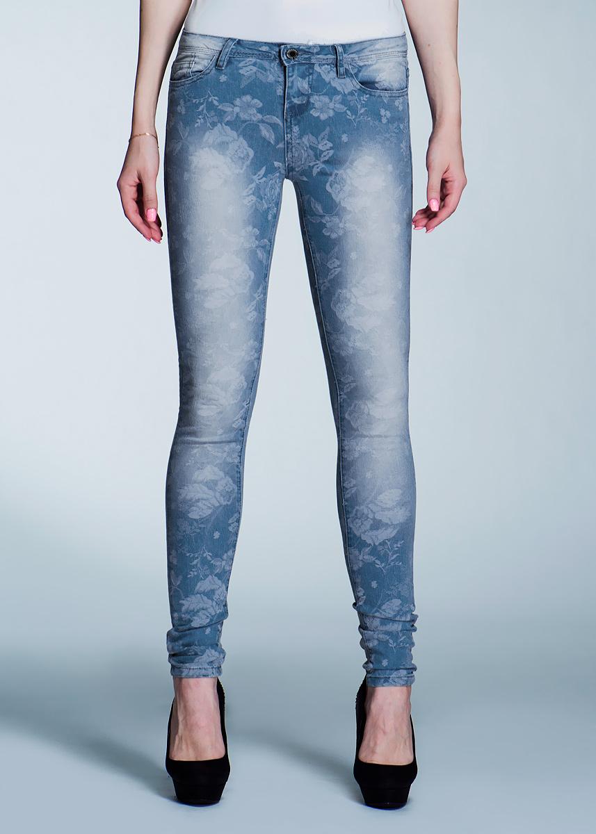 Джинсы женские. 1015104010151040Стильные женские джинсы Broadway созданы специально для того, чтобы подчеркивать достоинства вашей фигуры. Модель зауженного к низу кроя и средней посадки станет отличным дополнением к вашему современному образу. Джинсы оформлены цветочным принтом. Застегиваются джинсы на пуговицу в поясе и ширинку на застежке-молнии, имеются шлевки для ремня. Спереди модель оформлены двумя втачными карманами и одним небольшим секретным кармашком, а сзади - двумя накладными карманами. Эти модные и в тоже время комфортные джинсы послужат отличным дополнением к вашему гардеробу. В них вы всегда будете чувствовать себя уютно и комфортно.