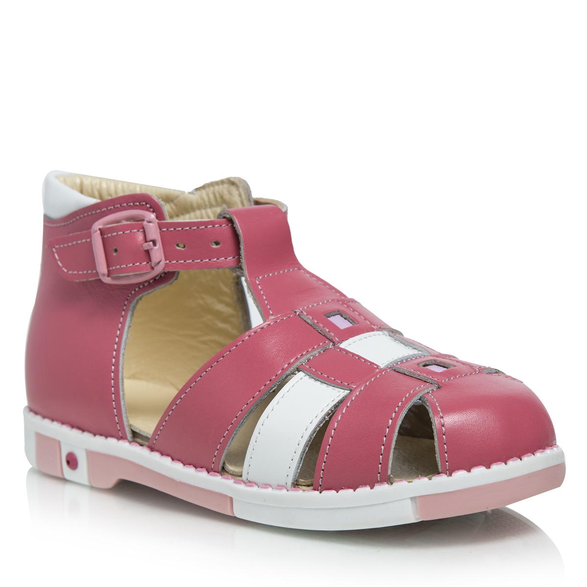 433-03Стильные детские сандалии Таши Орто заинтересуют вашу маленькую модницу с первого взгляда. Модель выполнена из натуральной кожи контрастных цветов. Ремешок на застежке-пряжке, которая не ослабевает в процессе носки, помогает оптимально подогнать полноту обуви по ноге и гарантирует надежную фиксацию. Литая анатомическая стелька из натуральной кожи со сводоподдерживающим элементом и латексным покрытием, не продавливающаяся во время носки, обеспечивает правильное формирование стопы. Благодаря использованию современных внутренних материалов позволяет оптимально распределить нагрузку по всей площади стопы, дает ножке ощущение мягкости и комфорта. Полужесткий задник фиксирует ножку ребенка, не давая ей смещаться из стороны в сторону и назад. Мягкая верхняя часть, которая плотно прилегает к ножке, и подкладка, изготовленная из натуральной кожи, позволяют избежать натирания. Широкий, устойчивый каблук, специальной конфигурации каблук Томаса, продлен с внутренней стороны до середины стопы,...