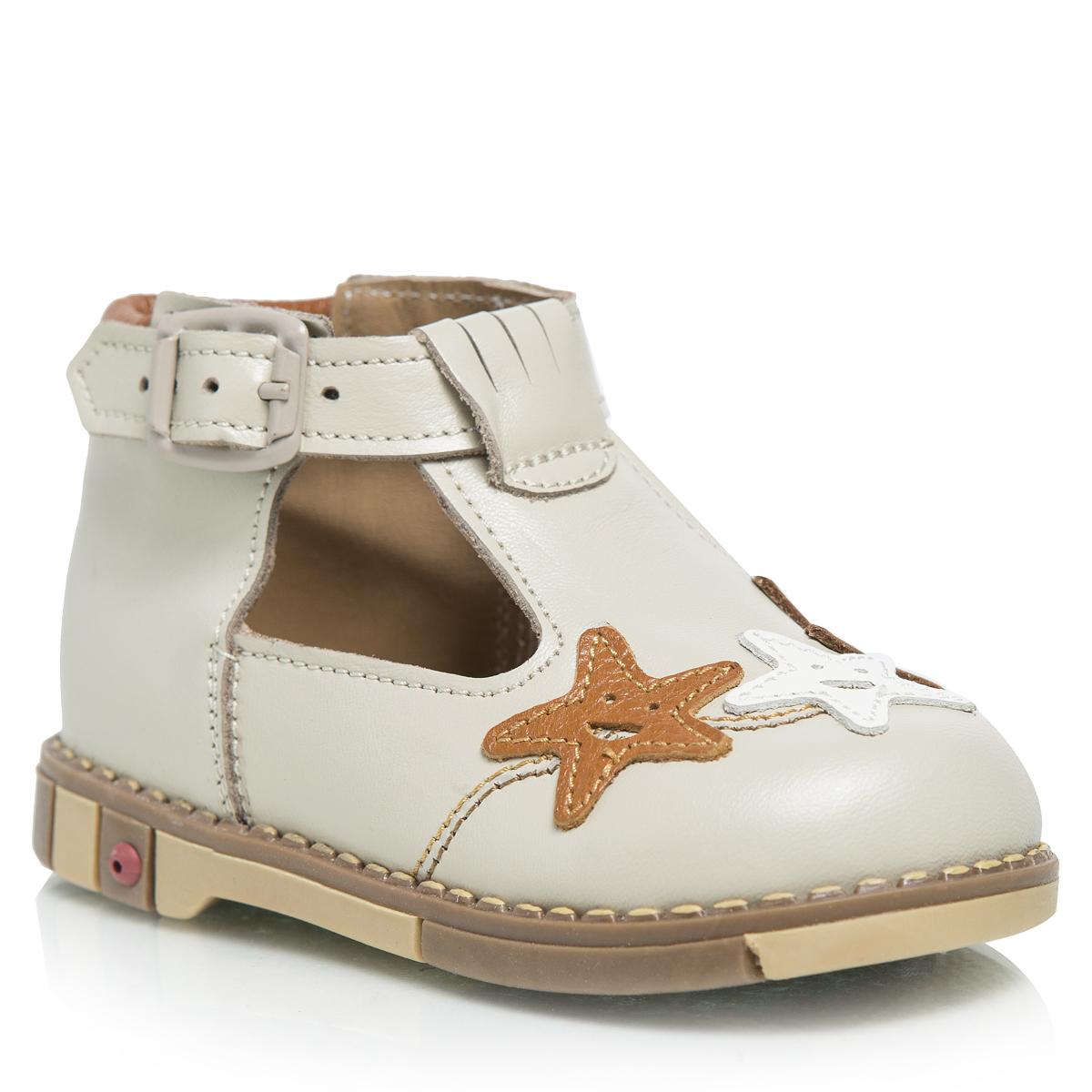 Туфли детские. 226-04226-04Очаровательные детские туфли Таши Орто займут достойное место в гардеробе вашего ребенка. Модель выполнена из натуральной кожи. Ремешок на застежке-пряжке помогает оптимально подогнать полноту обуви по ноге и гарантирует надежную фиксацию. Подъем изделия декорирован нашивками в форме звезды с улыбкой. Литая анатомическая стелька из натуральной кожи со сводоподдерживающим элементом и латексным покрытием, не продавливающаяся во время носки, обеспечивает правильное формирование стопы. Благодаря использованию современных внутренних материалов позволяет оптимально распределить нагрузку по всей площади стопы, дает ножке ощущение мягкости и комфорта. Мягкая верхняя часть, которая плотно прилегает к ножке, и подкладка, изготовленная из натуральной кожи, позволяют избежать натирания. Полужесткий задник фиксирует ножку ребенка, не давая ей смещаться из стороны в сторону и назад. Широкий, устойчивый каблук, специальной конфигурации каблук Томаса, продлен с внутренней стороны до...