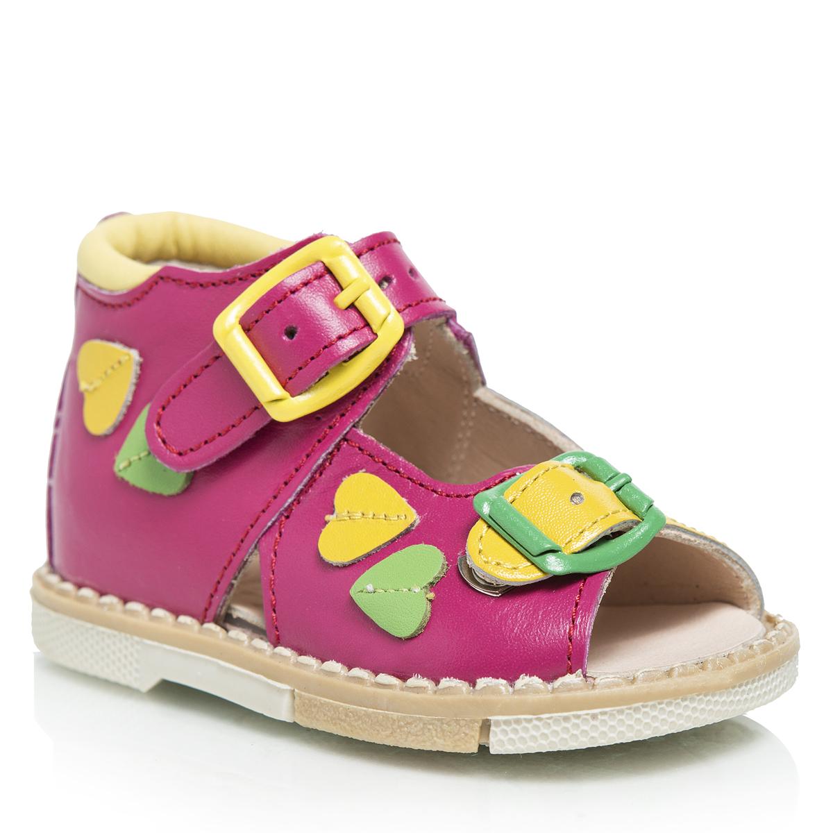 Сандалии для девочки. 119-30119-30Очаровательные детские сандалии Таши Орто приведут в восторг вашу маленькую модницу. Модель выполнена из натуральной кожи контрастных цветов. Ремешки на застежке-пряжке помогают оптимально подогнать полноту обуви по ноге и гарантируют надежную фиксацию. Сбоку сандалии декорированы цветными нашивками из кожи в виде сердец. Литая анатомическая стелька из натуральной кожи со сводоподдерживающим элементом и латексным покрытием, не продавливающаяся во время носки, обеспечивает правильное формирование стопы. Благодаря использованию современных внутренних материалов, позволяет оптимально распределить нагрузку по всей площади стопы, дает ножке ощущение мягкости и комфорта. Полужесткий задник фиксирует ножку ребенка, не давая ей смещаться из стороны в сторону и назад. Мягкая верхняя часть, которая плотно прилегает к ножке, и подкладка, изготовленная из натуральной кожи, позволяют избежать натирания. Широкий, устойчивый каблук, специальной конфигурации каблук Томаса, продлен с внутренней...
