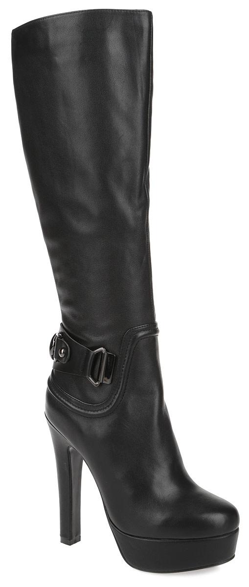 132203-2-110VСтильные сапоги от Milana не оставят вас равнодушной! Модель выполнена из натуральной кожи и оформлена на задней части подъема декоративным ремешком. Сапоги застегиваются на боковую застежку-молнию. Вшитая резинка, расположенная на голенище, отвечает за оптимальную посадку обуви на ноге. Мягкая подкладка и стелька из ворсина сохраняют тепло, обеспечивая максимальный комфорт при движении. Высокий каблук компенсирован платформой. Подошва с рифлением гарантирует идеальное сцепление с любыми поверхностями. Модные сапоги - основа гардероба каждой женщины.