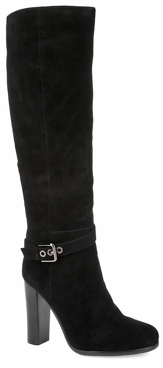 Сапоги женские. 152311-1-210V152311-1-210VСтильные сапоги от Milana не оставят вас равнодушной! Модель выполнена из натурального нубука и оформлена на подъеме декоративным ремешком. Сапоги застегиваются на боковую застежку-молнию. Вшитая резинка, расположенная на голенище, отвечает за оптимальную посадку обуви на ноге. Мягкая подкладка и стелька из ворсина сохраняют тепло, обеспечивая максимальный комфорт при движении. Высокий каблук устойчив. Подошва с рифлением гарантирует идеальное сцепление с любыми поверхностями. Модные сапоги - основа гардероба каждой женщины.
