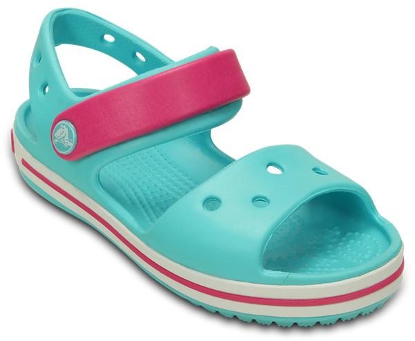 Сандалии12856-485Прелестные сандалии Crocband от Crocs очаруют вашего ребенка с первого взгляда! Модель выполнена из полимера Croslite и дополнена по периметру подошвы контрастной полоской с названием бренда. Благодаря материалу Croslite обувь невероятно легкая, мягкая и удобная. Материал Croslite - бактериостатичен, препятствует появлению неприятных запахов и легок в уходе: быстро сохнет и не оставляет следов на любых поверхностях. Верх модели оформлен отверстиями, которые можно использовать для украшения джибитсами. Под воздействием температуры тела обувь принимает форму стопы. Ремешок с застежкой-липучкой, оформленный фирменным логотипом, обеспечивает надежную фиксацию модели на ноге. Рельефная поверхность верхней части подошвы комфортна при движении. Рифленое основание подошвы гарантирует идеальное сцепление с любой поверхностью. Такие сандалии принесут комфорт и радость вашему ребенку.