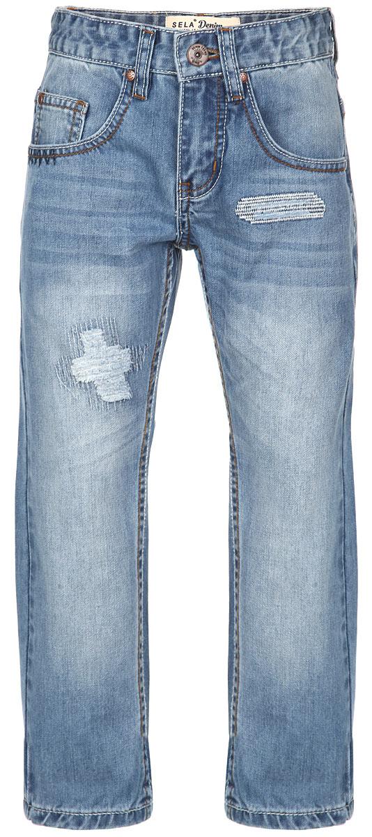Джинсы для мальчика Denim. PJ-835/84PJ-835/843-6162Стильные джинсы для мальчика Sela Denim идеально подойдут юному моднику для отдыха и прогулок. Изготовленные из натурального хлопка, они мягкие и приятные на ощупь, не сковывают движения и позволяют коже дышать, обеспечивая наибольший комфорт. Джинсы на талии застегиваются на металлическую пуговицу и имеют ширинку на застежке-молнии, а также шлевки для ремня. С внутренней стороны пояс регулируется скрытой резинкой на пуговицах. Модель имеет классический пятикарманный крой: спереди - два втачных кармана и один маленький накладной, а сзади - два накладных кармана. Оформлено изделие прострочкой и металлическими клепками, а также легким эффектом искусственного состаривания денима: прорези и потертости. Современный дизайн и расцветка делают эти джинсы модным предметом детской одежды. В них ребенок всегда будет в центре внимания!