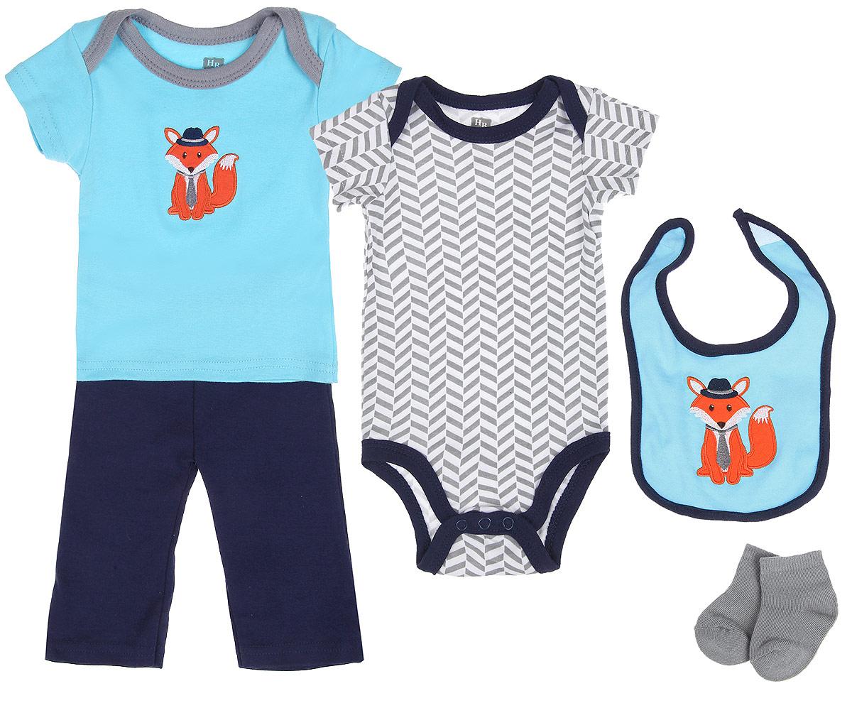 Подарочный комплект для новорожденного Лисенок, 5 предметов. 5810158101Комплект для новорожденного Hudson Baby Лисенок - это замечательный подарок, который прекрасно подойдет для первых дней жизни малыша. Комплект состоит из боди, футболки, штанишек, нагрудника и носочков. Одежда выполнена из натурального хлопка, не сковывает движения малыша и позволяет коже дышать, не раздражает даже самую нежную и чувствительную кожу ребенка, обеспечивая ему наибольший комфорт. Носочки изготовлены из хлопка с добавлением нейлона и спандекса, нагрудник - из хлопка и полиэстера. Удобное боди с круглым вырезом горловины и короткими рукавами имеет специальные запахи на плечах и кнопки на ластовице, что значительно облегчает процесс переодевания ребенка и смену подгузника. Футболка с короткими рукавами и круглым вырезом горловины также имеет запахи на плечах. Спереди модель дополнена нашивкой с изображением лисенка. Штанишки на талии имеют мягкую резинку, не сдавливают животик малыша и не сползают. Они отлично сочетаются с футболками и...