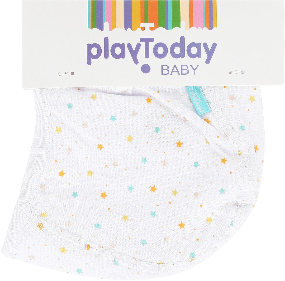 Чепчик167862Мягкий чепчик PlayToday Baby, изготовленный из натурального хлопка, не раздражает нежную кожу ребенка и хорошо вентилируется. Плоские швы обеспечивают крохе максимальный комфорт. Модель по краю дополнена трикотажной резинкой. С помощью завязок можно регулировать обхват головы и шеи. В комплект входят два чепчика. Одна модель оформлена мелким принтом со звездочками, вторая - однотонная. Чепчик необходим любому младенцу, он защищает еще не заросший родничок, щадит чувствительный слух малыша, прикрывая ушки, а также предохраняет от теплопотери.