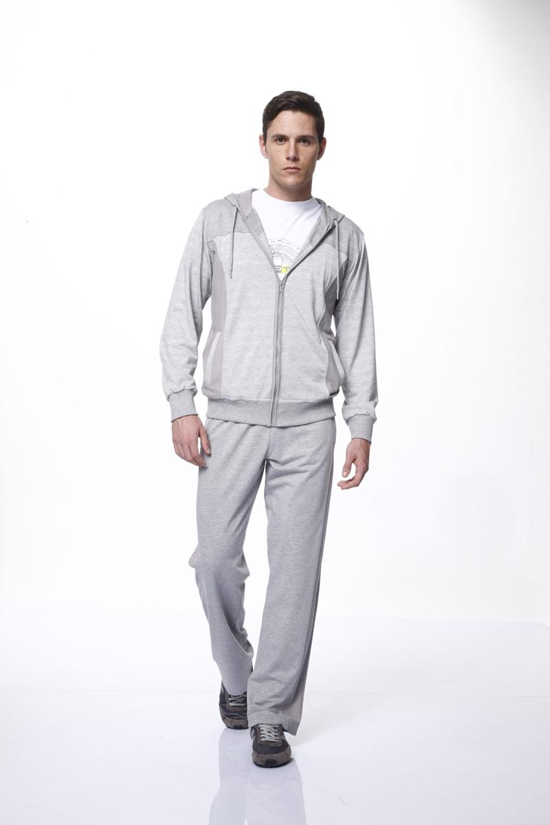 Комплект мужской: толстовка, футболка, брюки. 52405240Комплект мужской одежды Relax Mode включает в себя толстовку, футболку и брюки. Выполненный из высококачественных материалов, комплект мягкий и приятный на ощупь, не сковывает движения и позволяет коже дышать, обеспечивая комфорт. Уютная толстовка с капюшоном на кулиске и длинными рукавами спереди застегивается на пластиковую застежку-молнию по всей длине. Спереди модель дополнена двумя втачными карманами. Низ и манжеты изделия выполнены из эластичной резинки, что предотвращает деформацию при носке. Футболка с круглым вырезом горловины и короткими рукавами спереди оформлена оригинальным принтом. Брюки с широкой резинке в поясе дополнительно завязываются на текстильный шнурок. По бокам изделие дополнено двумя втачными карманами на застежке-молнии, сзади - два втачных кармана на молнии. Стильный комплект одежды станет отличным дополнением к вашему гардеробу, а также подарит вам удобство и комфорт.