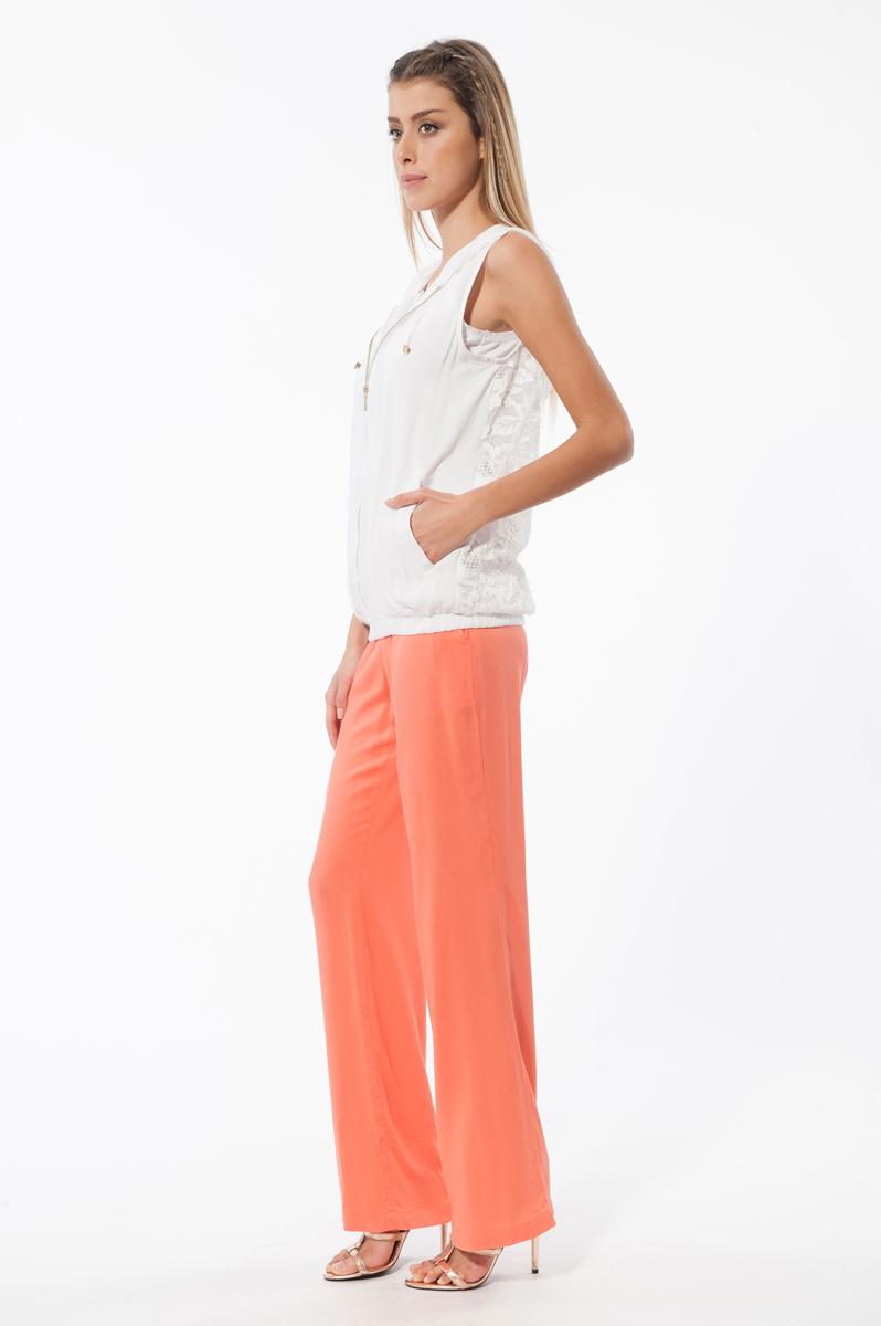 Комплект женский: жилет, майка, брюки. 53965396Комплект женской одежды Relax Mode, состоящий из жилета, майки и брюк, станет отличным дополнением к вашему гардеробу. Выполненный из качественных материалов, комплект мягкий и приятный на ощупь, не сковывает движения и позволяет коже дышать, обеспечивая наибольший комфорт. Жилет с капюшоном застегивается спреди на металлическую застежку-молнию. Спинка изделия выполнена из прозрачного кружевного материала. Капюшон дополненн кулиской. Стильная майка на широких бретелях выполнена с V-образным вырезом. Брюки прямого кроя имеют широкую резинку на талии и дополнительно завязываются на текстильный шнурок. По бокам изделие дополнено двумя втачными карманами. Стильный комплект одежды подарит вам удобство и комфорт, подчеркнет вашу индивидуальность.