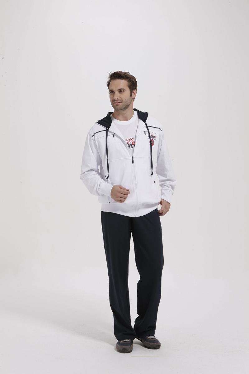 Комплект мужской Relax Mode: толстовка, футболка, брюки. 59485948Комплект домашней мужской одежды Relax Mode включает в себя толстовку, футболку и брюки. Выполненный из высококачественных материалов, комплект мягкий и приятный на ощупь, не сковывает движения и позволяет коже дышать, обеспечивая комфорт. Уютная толстовка с капюшоном на кулиске и длинными рукавами спереди застегивается на пластиковую застежку-молнию по всей длине. Спереди модель дополнена четырьмя втачными карманами на застежке-молнии. Низ и манжеты изделия выполнены из эластичной резинки, что предотвращает деформацию при носке. Изделие декорировано текстильной нашивкой и вышитыми надписями. Футболка с круглым вырезом горловины и короткими рукавами спереди оформлена принтовыми надписями и текстильной нашивкой. Брюки с широкой резинке в поясе дополнительно завязываются на текстильный шнурок. По бокам изделие дополнено двумя втачными карманами с косыми срезами. Стильный комплект одежды станет отличным дополнением к вашему гардеробу, а...