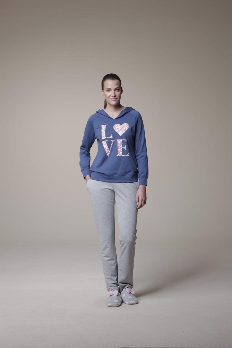 Комплект женский Relax Mode: толстовка, брюки. 1052910529Женский комплект одежды для дома Relax Mode состоит из толстовки и брюк. Комплект изготовлен из приятного на ощупь высококачественного материала. Толстовка и брюки превосходно сидят, не сковывают движения и позволяют коже дышать. Уютная толстовка с капюшоном и длинными рукавами-реглан оформлена крупным принтом с надписью Love. Комфортные брюки на широкой эластичной резинке - удобная и практичная вещь в гардеробе. Объем талии регулируется при помощи шнурка-кулиски. Брюки оснащены двумя втачными карманами спереди. Этот практичный и модный домашний комплект - настоящее воплощение комфорта. В нем вы всегда будете чувствовать себя удобно и уютно.