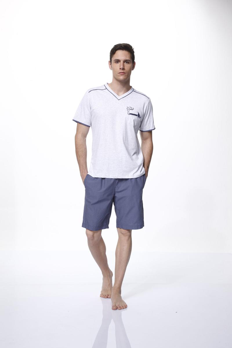 Комплект мужской: футболка, шорты. 1332813328Комплект домашней мужской одежды Relax Mode включает в себя футболку и шорты. Футболка выполнена из вискозы, шорты изготовлены из хлопка. Комплект мягкий и приятный на ощупь, не сковывает движения и позволяет коже дышать, обеспечивая комфорт. Футболка с V-образным вырезом горловины и короткими рукавами спереди дополнена накладным карманом. Вырез горловины дополнен трикотажной резинкой. Шорты с эластичной резинкой на талии дополнительно завязываются на текстильный шнурок. По бокам расположены два втачных кармана. Стильный комплект одежды станет отличным дополнением к вашему гардеробу, а также подарит вам удобство и комфорт.