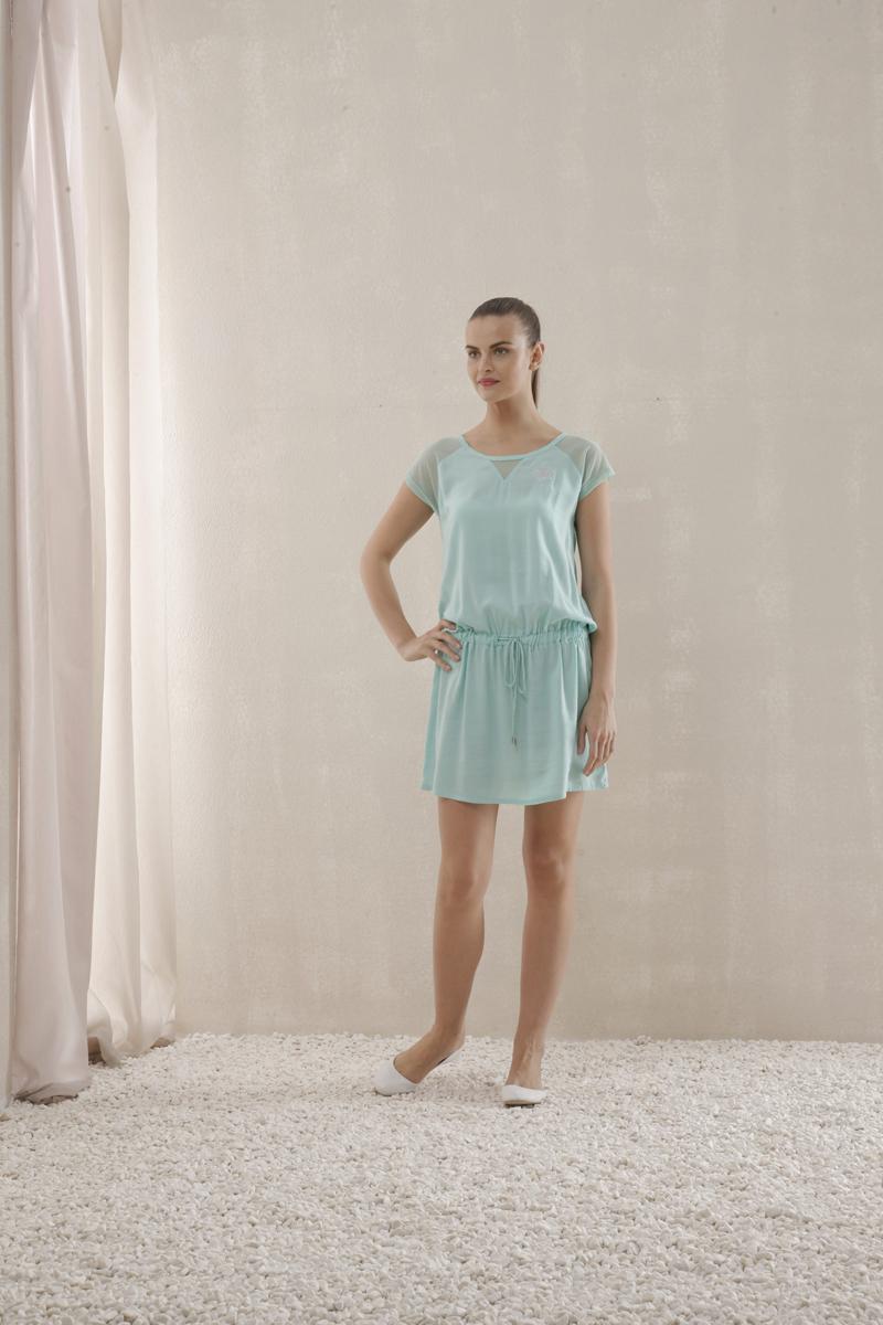 Платье. 4513445134Прекрасное платье Relax Mode изготовлено из высококачественного материала. Такое платье обеспечит вам комфорт и удобство при носке. Модель свободного кроя с рукавами-кимоно и круглым вырезом горловины на бедрах дополнено резинкой и шнурком. Верх декорирован сеточкой и вышивкой. Это модное и удобное платье станет превосходным дополнением к вашему гардеробу, оно подарит вам удобство и поможет вам подчеркнуть свой вкус и неповторимый стиль.