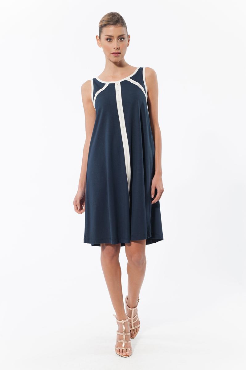 Платье. 4578045780Стильное платье Relax Mode, выполненное из высококачественного материала, покорит своим лаконичным дизайном. Модель А-силуэта без рукавов и круглым вырезом горловины оформлено контрастными бейками и декоративной фурнитурой со стразами. Это модное и в тоже время комфортное платье послужит отличным дополнением к вашему гардеробу.