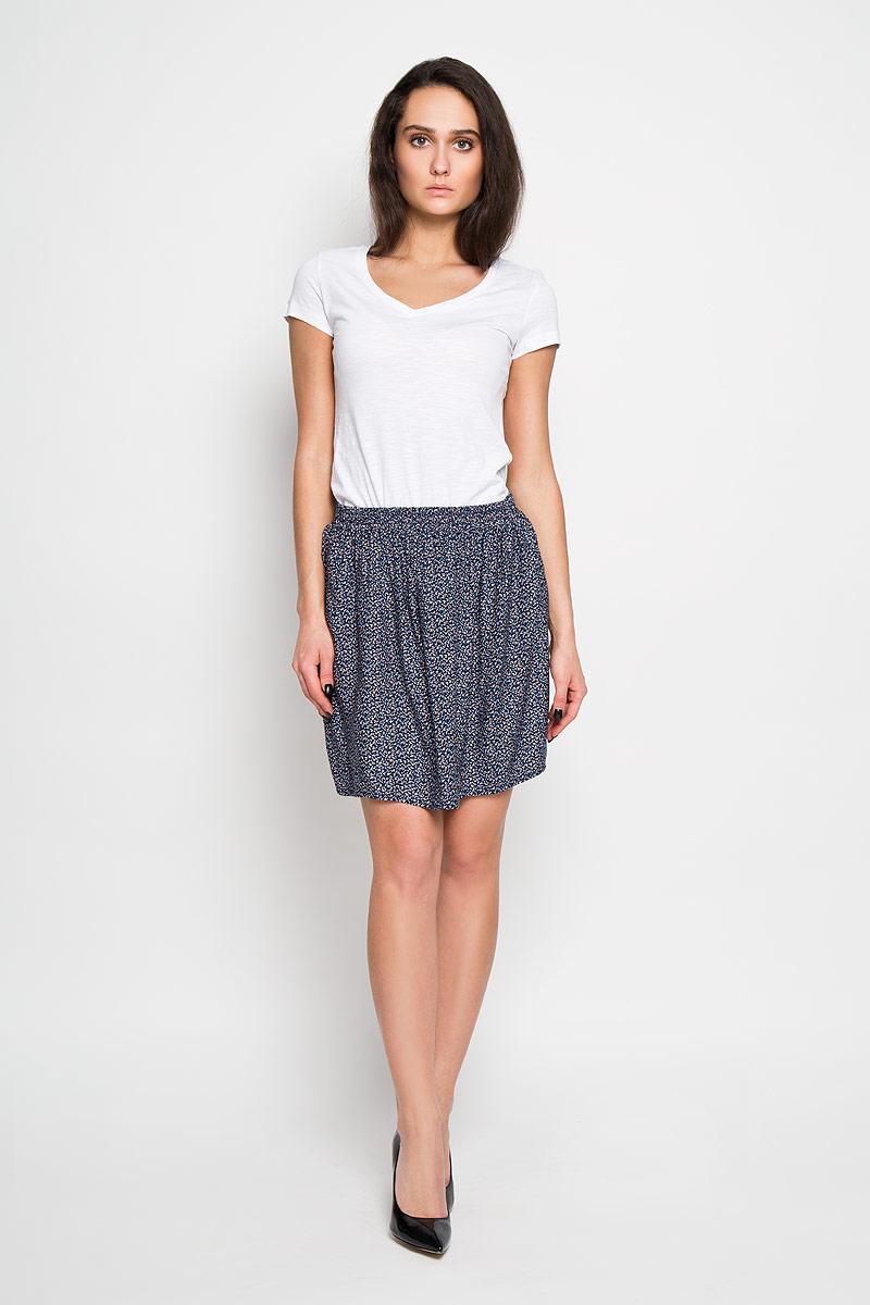 ЮбкаSK-118/819-6152Эффектная юбка Sela подчеркнет вашу женственность и неповторимый стиль. Оригинальная юбка выполнена из высококачественной 100% вискозы, благодаря чему она великолепно тянется, пропускает воздух и позволяет коже дышать. Благодаря эластичной резинке на талии, юбка превосходно сидит и не сковывает движений. Модная юбка-мини выгодно освежит и разнообразит ваш гардероб. Создайте женственный образ и подчеркните свою яркую индивидуальность! Классический фасон и оригинальное оформление этой юбки сделают ваш образ непревзойденным.