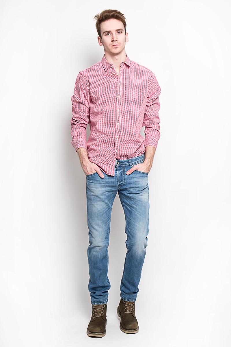 РубашкаH-212/664-6162Стильная мужская рубашка Sela, выполненная из высококачественного 100% хлопка, обладает высокой теплопроводностью, воздухопроницаемостью и гигроскопичностью, позволяет коже дышать, тем самым обеспечивая наибольший комфорт при носке. Модель приталенного кроя с отложным воротником застегивается на пуговицы. Длинные рукава рубашки дополнены манжетами на пуговицах. Рубашка оформлена актуальным принтом в мелкую клетку. Такая рубашка подчеркнет ваш вкус и поможет создать великолепный стильный образ.