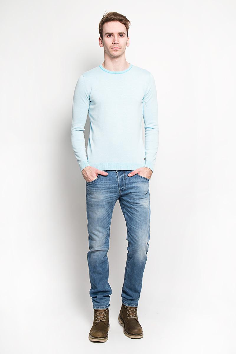 3020593.00.10Стильный мужской джемпер Tom Tailor, выполненный из 100% хлопка, приятный на ощупь, не сковывает движения, обеспечивая наибольший комфорт. Модель с круглым вырезом горловины и длинными рукавами идеально гармонирует с любыми предметами одежды и будет уместна и на отдых, и работу. Горловина, низ и манжеты изделия связаны мелкой резинкой, что предотвращает деформацию при носке и препятствует проникновению холодного воздуха. Джемпер Tom Tailor станет отличным дополнением вашего гардероба.