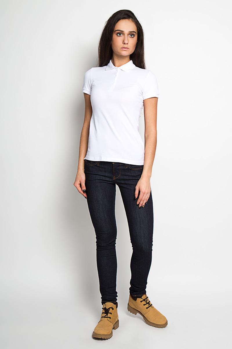 Футболка-поло женская. Tsp-111/925-6171Tsp-111/925-6171Стильная женская футболка-поло Sela, изготовленная из высококачественного эластичного хлопка, обладает высокой теплопроводностью, воздухопроницаемостью и гигроскопичностью, позволяет коже дышать. Модель с короткими рукавами и отложным воротником - идеальный вариант для создания оригинального современного образа. Сверху футболка-поло застегивается на 3 пуговицы. Классическая однотонная расцветка позволит вам сочетать эту модель с любыми нарядами. Такая модель подарит вам комфорт в течение всего дня и послужит замечательным дополнением к вашему гардеробу.