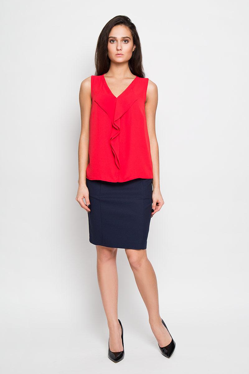 БлузкаTwsl-112/903-6122Стильная женская блуза Sela, выполненная из 100% полиэстера, подчеркнет ваш уникальный стиль и поможет создать оригинальный женственный образ. Свободная блузка без рукавов, с V-образным вырезом горловины оформлена элегантными воланами спереди. Такая блузка идеально подойдет для жарких летних дней. Такая блузка будет дарить вам комфорт в течение всего дня и послужит замечательным дополнением к вашему гардеробу.