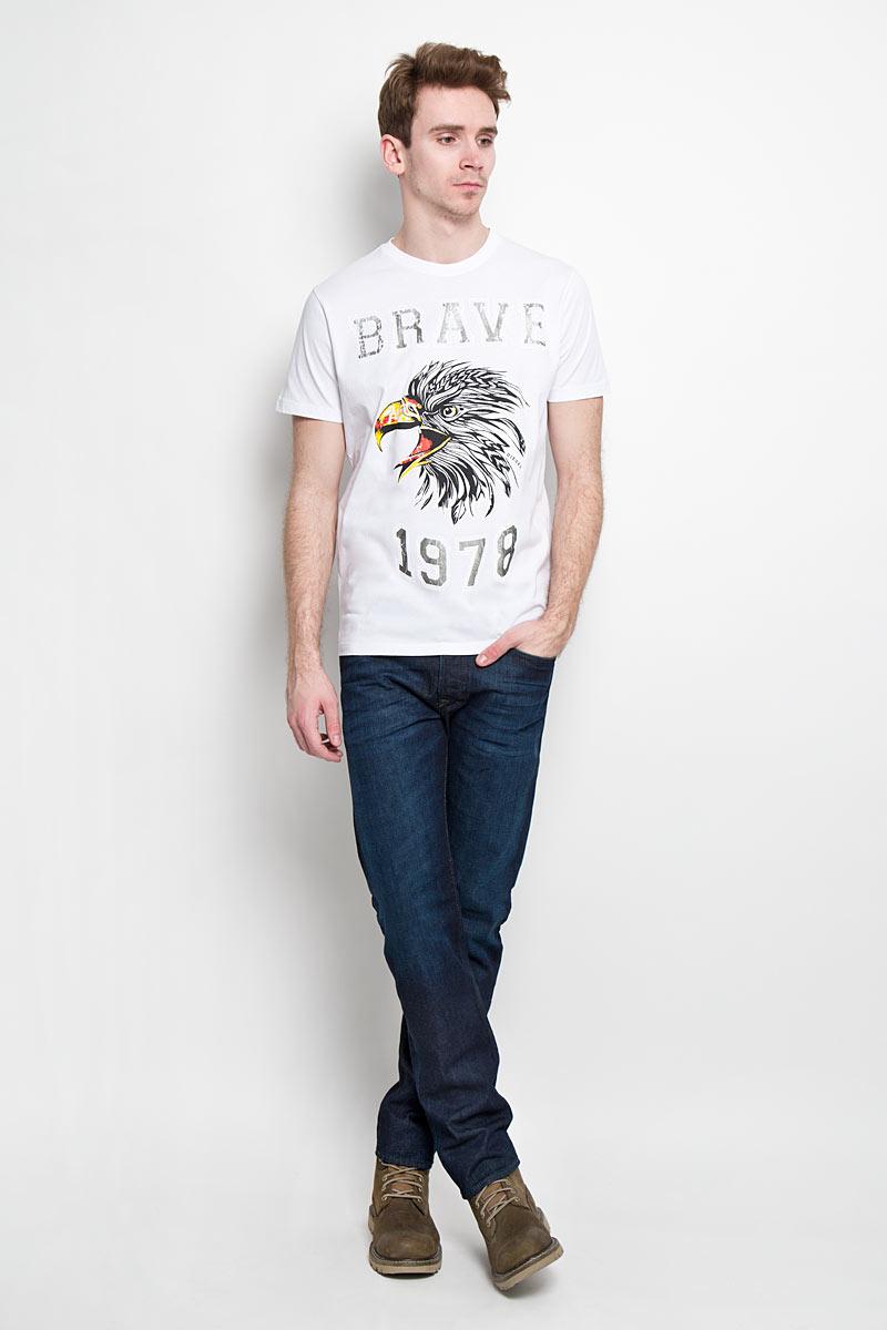 Футболка00SN59-0091BСтильная мужская футболка Diesel - идеальное решение для повседневной носки. Эта практичная, приятная на ощупь модель, выполненная из 100% хлопка, прекрасно пропускает воздух, она позволит вам чувствовать себя уверенно и легко. Удобный крой, круглый воротник и короткий рукав обеспечивают свободу движений. Лицевая сторона футболки оформлена термоаппликацией с надписью и изображением птицы. Эта футболка - идеальный вариант для создания эффектного образа.