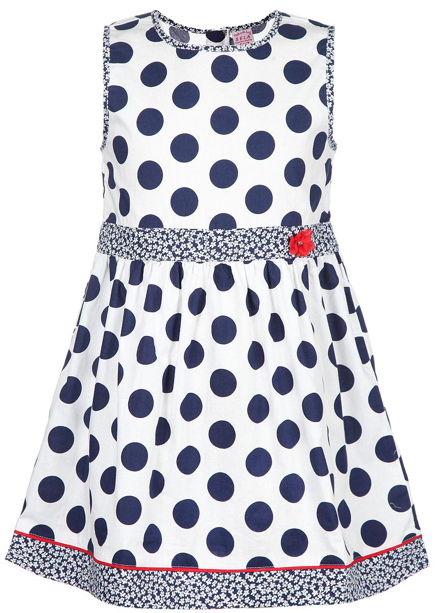 Платье для девочки. Dsl-517/077-6133Dsl-517/077-6133Красивое платье для девочки Sela станет отличным дополнением к гардеробу вашей маленькой модницы. Изготовленное из натурального хлопка, оно мягкое и приятное на ощупь, не сковывает движения и позволяет коже дышать, обеспечивая наибольший комфорт. Платье с круглым вырезом горловины застегивается сзади на молнию и пуговицу, что помогает при переодевании ребенка. От линии талии заложены складочки, придающие изделию пышность. Модель оформлена принтом в горох, а также мелким цветочным принтом. На поясе изделие украшено декоративным элементом в виде цветка со стразом. В таком платье маленькая принцесса всегда будет в центре внимания!