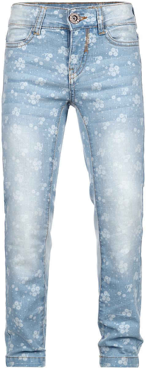 Джинсы для девочки. 116BBGB6305116BBGB6305Стильные джинсы для девочки Button Blue идеально подойдут вашей маленькой моднице. Изготовленные из хлопка с добавлением полиэстера и эластана, они мягкие и приятные на ощупь, не сковывают движения, не раздражают нежную и чувствительную кожу ребенка, обеспечивая ему наибольший комфорт. Джинсы-слим на поясе застегиваются на металлическую пуговицу и имеют ширинку на застежке-молнии, а также шлевки для ремня. При необходимости пояс можно утянуть скрытой резинкой на пуговках. Спереди джинсы дополнены двумя втачными карманами, а сзади - двумя накладными. Джинсы оформлены контрастной прострочкой, перманентными складками и легким эффектом потертости. Украшена модель мелким цветочным принтом по всей поверхности. Современный дизайн и расцветка делают эти джинсы модным и стильным предметом детского гардероба. В них ваша дочурка всегда будет в центре внимания!