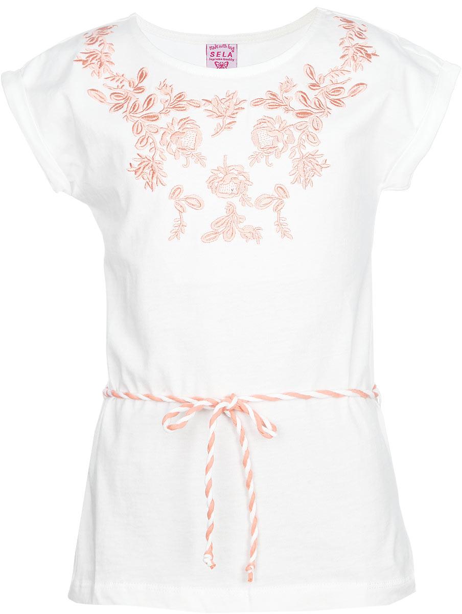 TKs-611/063-6132Очаровательная футболка для девочки Sela идеально подойдет вашей юной моднице. Изготовленная из натурального хлопка, она необычайно мягкая и приятная на ощупь, не сковывает движения и позволяет коже дышать, не раздражает нежную и чувствительную кожу ребенка, обеспечивая ему наибольший комфорт. Футболка с короткими рукавами-кимоно и круглым вырезом горловины украшена спереди цветочной вышивкой. Рукава оформлены декоративными отворотами. Модель дополнена пояском. Современный дизайн и расцветка делает эту футболку модным и стильным предметом детского гардероба. В ней ребенок будет чувствовать себя комфортно и всегда будет в центре внимания!